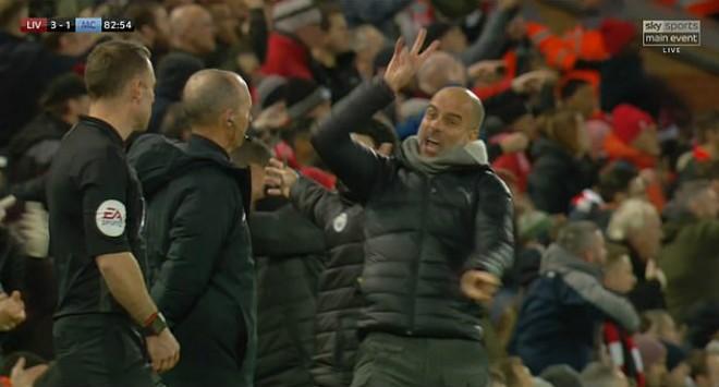 Pep Guardiola nổi điên