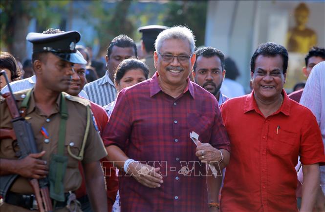 Ông Gotabaya Rajapaksa sau khi bỏ phiếu trong cuộc bầu cử Tổng thống tại điểm bầu cử ở Colombo, Sri Lanka, ngày 16-11-2019. Ảnh: THX/ TTXVN