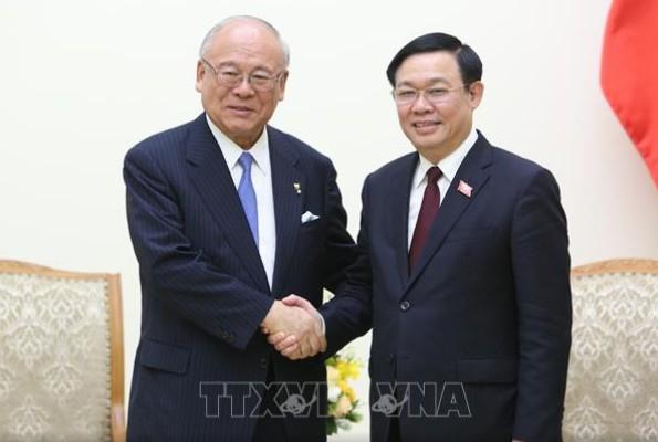 Phó Thủ tướng Vương Đình Huệ đã tiếp ông Takebe Tsutomu, Cố vấn đặc biệt Liên minh nghị sĩ Nhật Bản-Việt Nam.