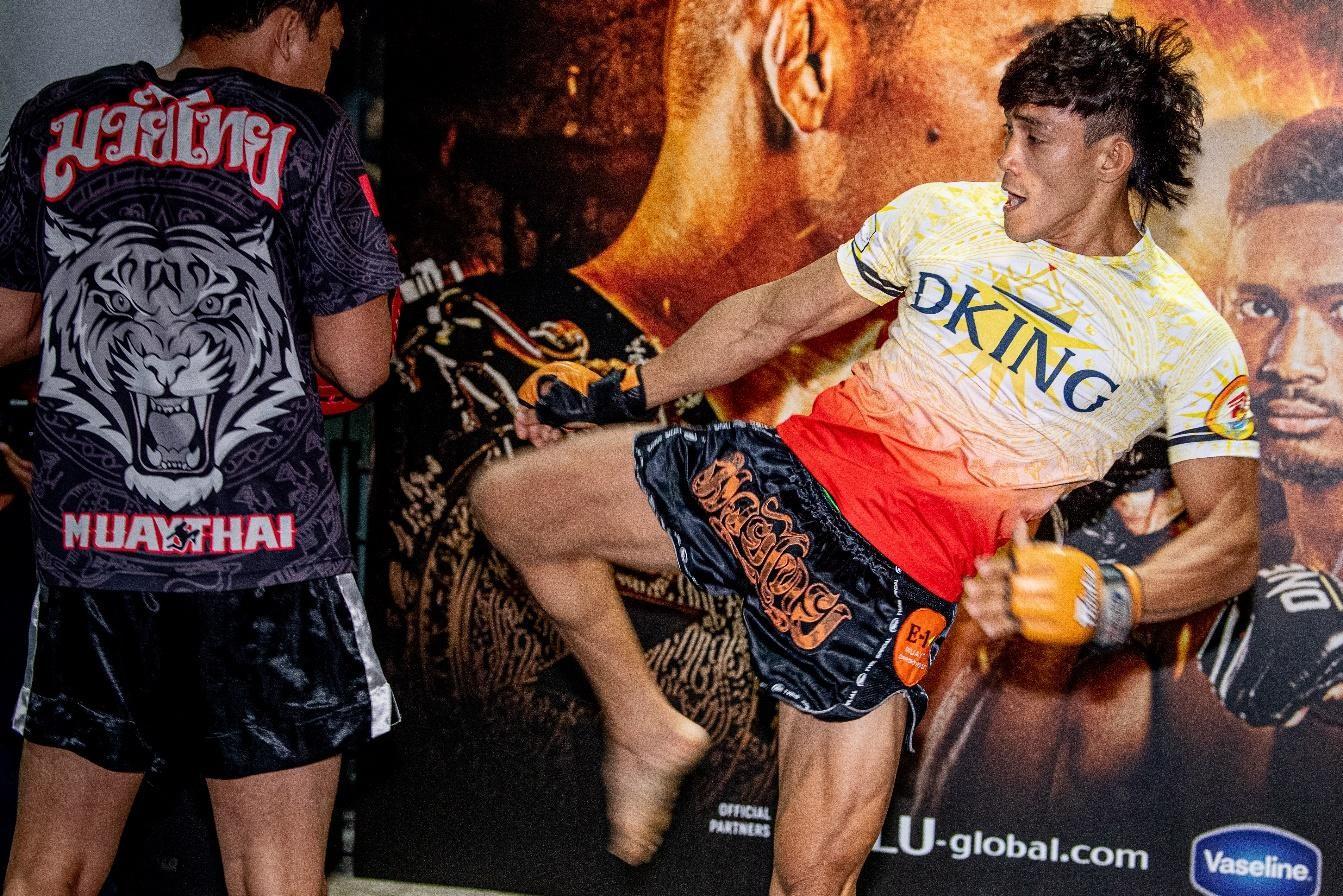 Nguyễn Trần Duy Nhất giành nhiều vinh quang với Muay Thái