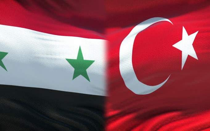 Cờ Syria, Thổ Nhĩ Kỳ. Ảnh: Shutterstock.