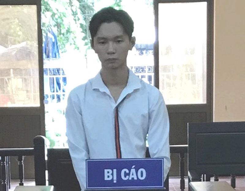 Bị cáo Trung tại phiên tòa hình sự sơ thẩm.