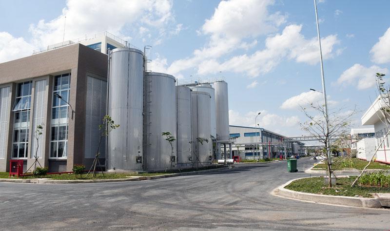 Nhà máy bia Sài Gòn - Bến Tre tại Khu công nghiệp Long Phước (Châu Thành) đóng góp ngân sách tỉnh năm 2019 trên 800 tỷ đồng.
