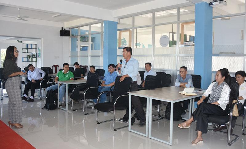Lớp Ươm tạo dự án khởi nghiệp do Trung tâm Xúc tiến đầu tư và khởi nghiệp phối hợp SVF thực hiện.