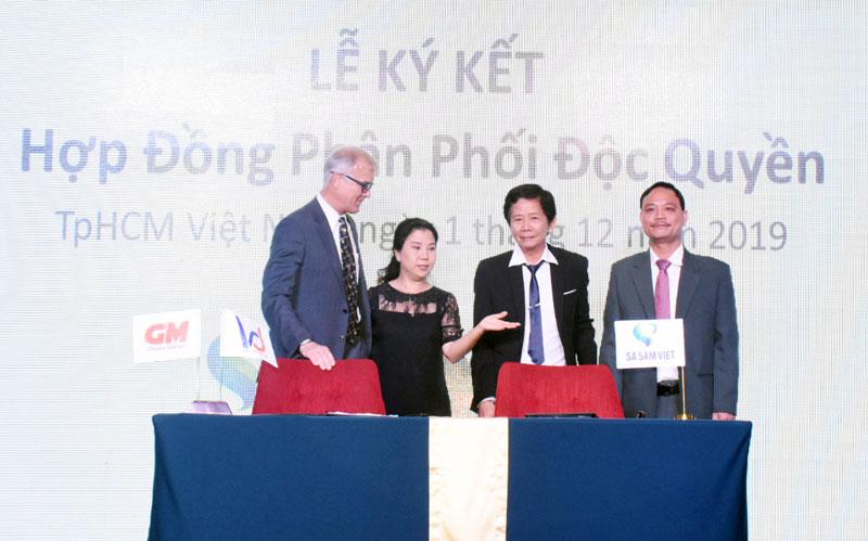 Ký kết hợp tác giữa Công ty cổ phần Sa Sâm Việt và Công ty cổ phần Việt DITRIBUTION.