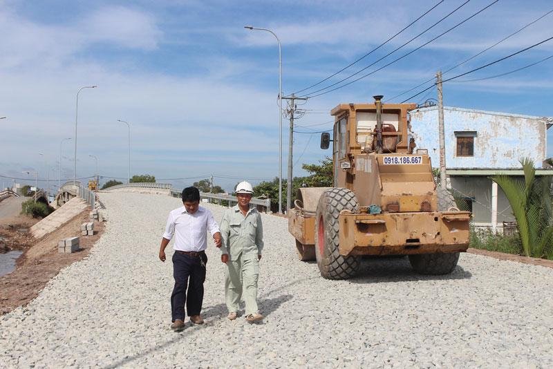 Cầu Thừa Mỹ, huyện Bình Đại đang thi công giai đoạn cuối, sẽ hoàn thành trước ngày 20-12-2019.