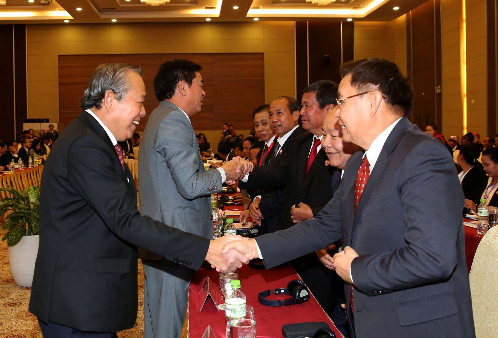 Phó Thủ tướng Thường trực Chính phủ Trương Hòa Bình cùng các đại biểu dự hội thảo. Ảnh VGP/Lê Sơn