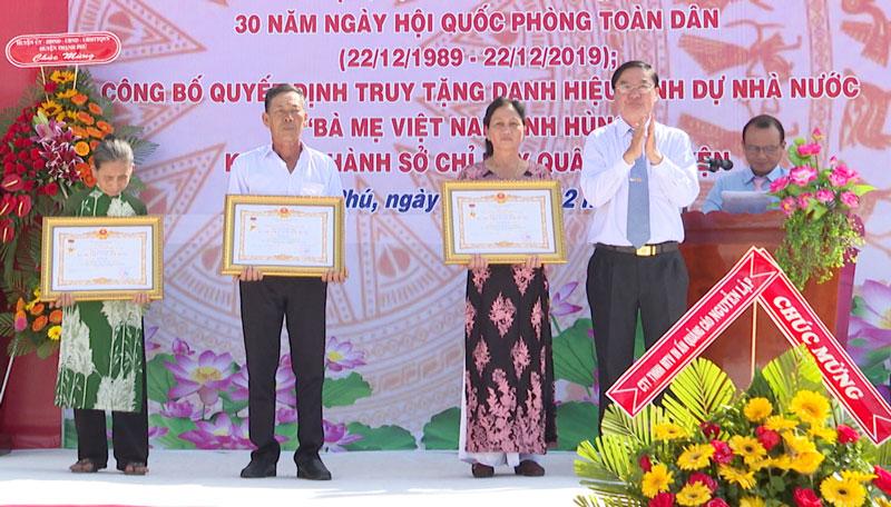 Bí thư Huyện ủy Lê Văn Khê truy tặng danh hiệu vinh dự Nhà nước