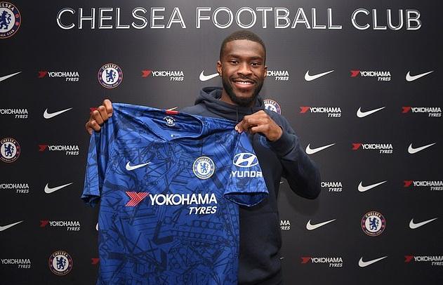Tomori đã gia hạn hợp đồng với Chelsea