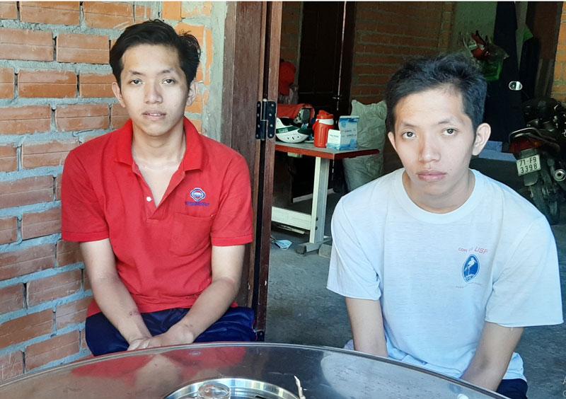 Hai anh em Minh Phước và Minh Đạt.