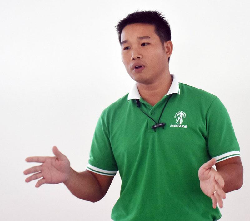 Anh Phạm Đình Ngãi chia sẻ kinh nghiệm, truyền cảm hứng cho   người khởi nghiệp trẻ tại tỉnh.