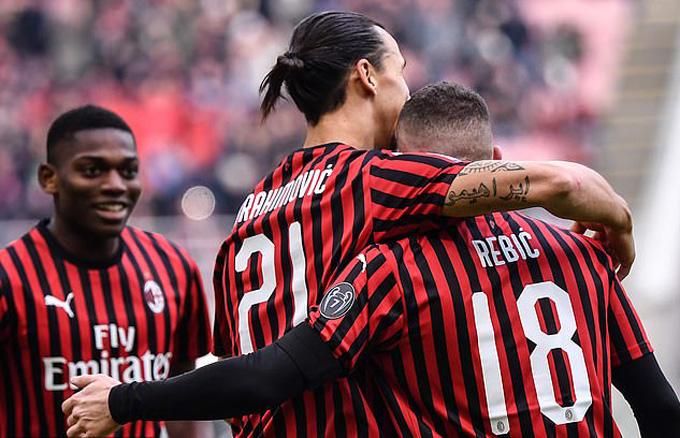 Rebic vào sân từ ghế dự bị và lập 1 cú đúp mang về 3 điểm cho Milan