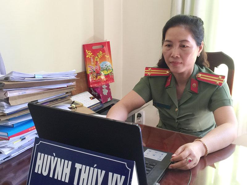 Trung tá Huỳnh Thúy Vy