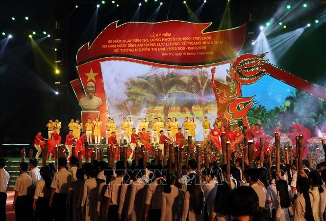 Lễ mít tinh Kỷ niệm 60 năm ngày Bến Tre đồng khởi (17-1-1960 - 17-1-2020), 100 năm Ngày sinh Anh hùng LLVT nhân dân - Nữ tướng Nguyễn Thị Định (15-3-1920 - 15-3-2020). Ảnh: Trọng Đức/TTXVN