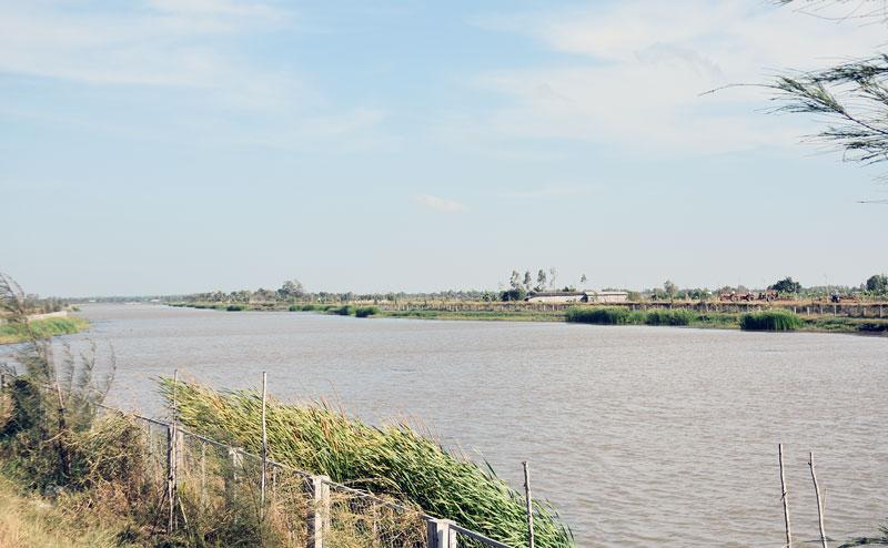 Hồ Kênh Lấp phục vụ nước sinh hoạt cho hơn 10 ngàn hộ dân trên địa bàn 6 xã huyện Ba Tri.