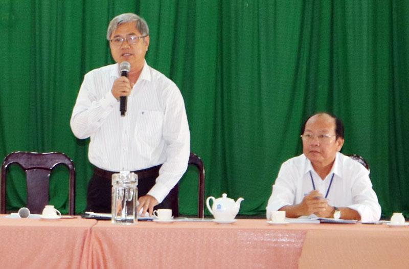 Phó chủ tịch Thường trực UBND tỉnh Nguyễn Văn Đức kết luận buổi làm việc.