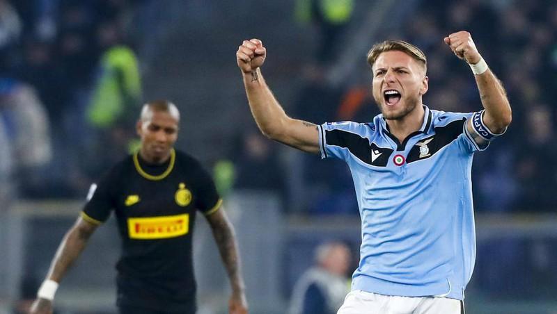 Lazio lội ngược dòng thắng Inter Milan 2-1. (Ảnh: Getty)