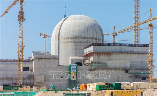 Nhà máy điện hạt nhân Barakah ở gần al-Hamra, phía tây Abu Dhabi, UAE. Ảnh: AFP/TTXVN