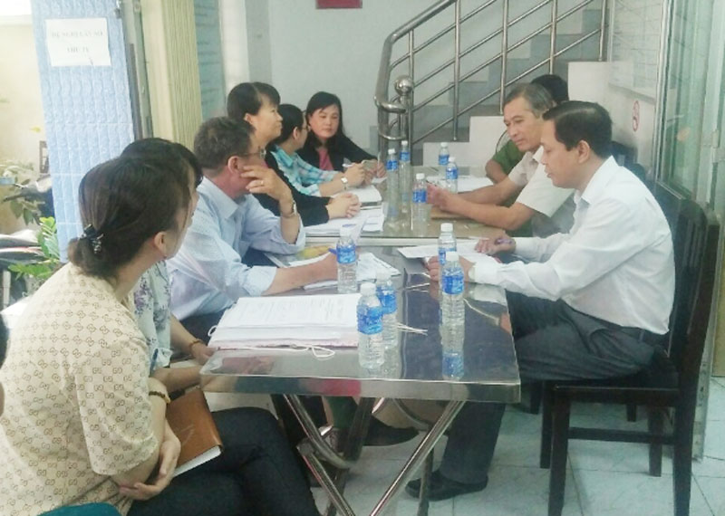 Đoàn kiểm tra Ban chỉ đạo phòng, chống dịch thành phố làm việc với Trạm Y tế phường 1