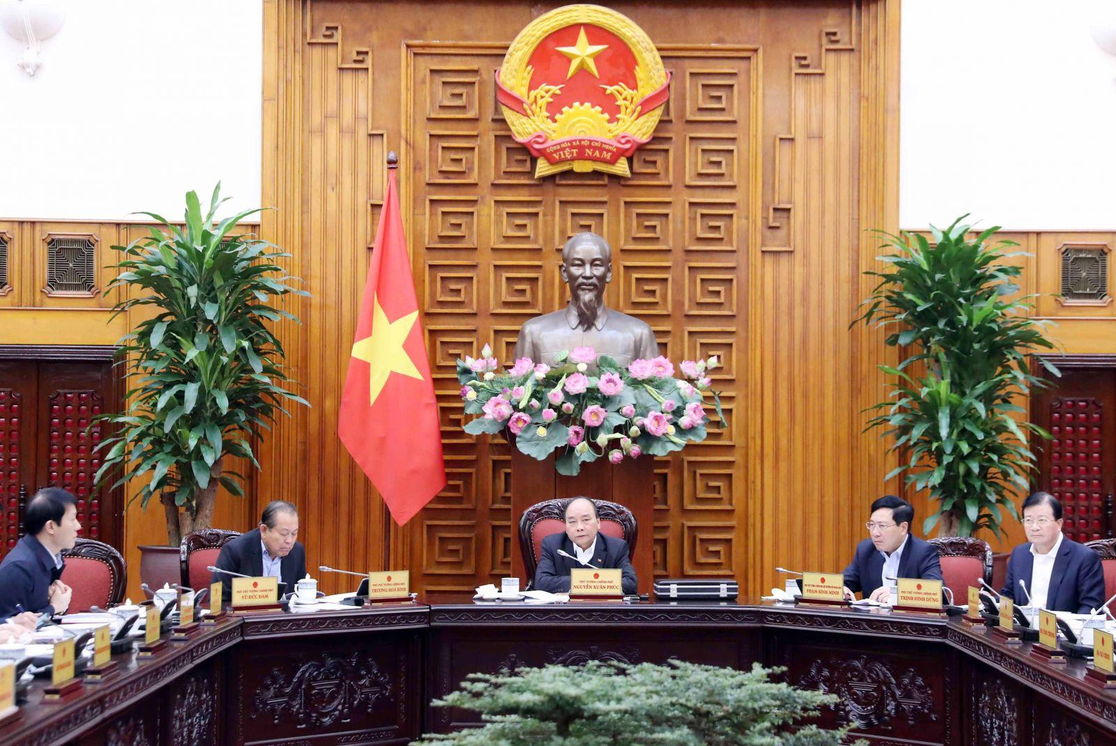 Thủ tướng Nguyễn Xuân Phúc phát biểu tại cuộc họp. Ảnh: VGP/Quang Hiếu