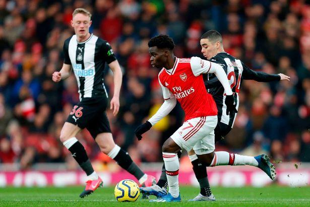 Saka đã chơi tốt ở trận Arsenal thắng Newcastle
