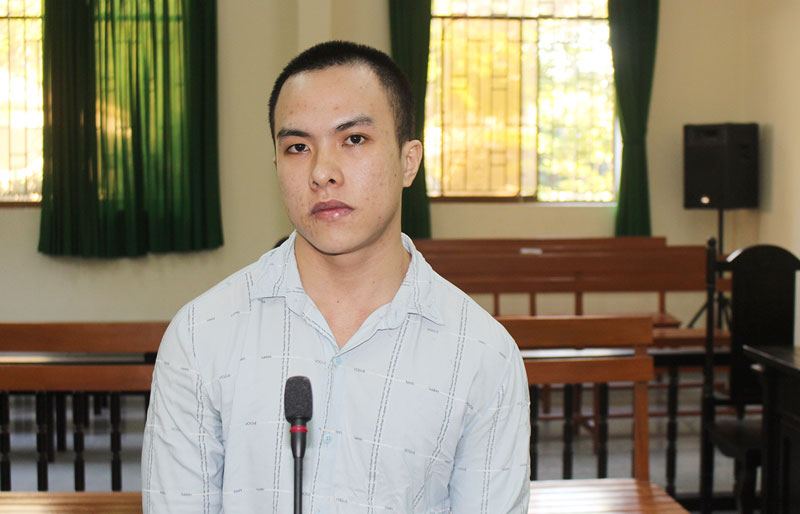 Bị cáo Dư Hồng Huy tại phiên tòa hình sự sơ thẩm.