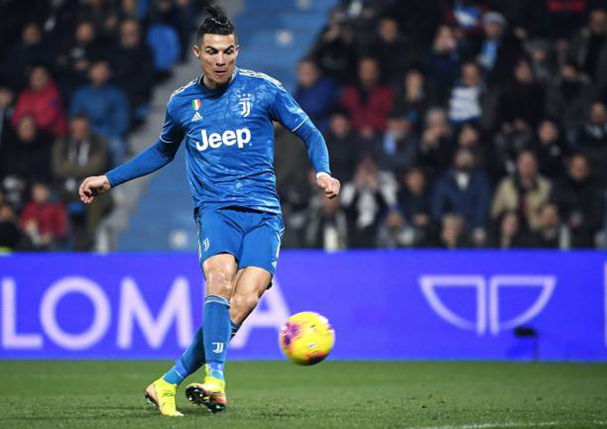 Ronaldo ghi bàn mở tỷ số cho Juventus ở phút 39