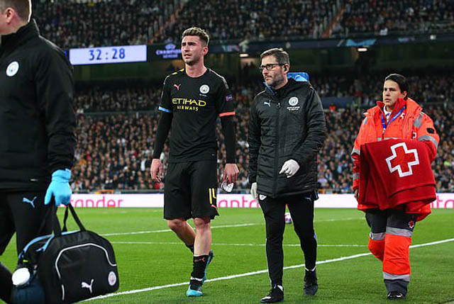 Man City thiệt thòi khi Laporte phải rời sân ở phút 33