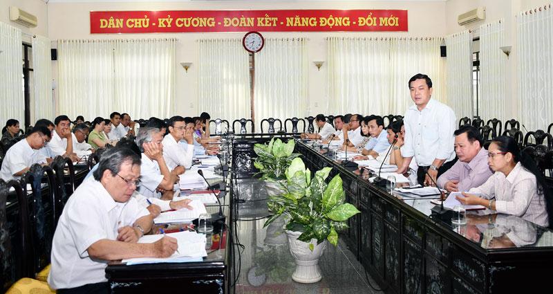 Các đại biểu dự hội nghị kiểm tra Tỉnh ủy. Ảnh: Hữu Hiệp