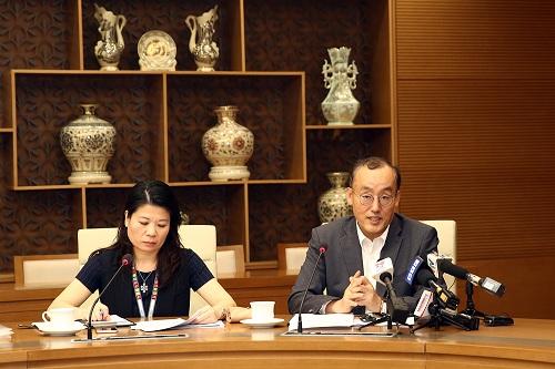 Ông Kidong Park, Trưởng đại diện WHO tại Việt Nam phát biểu tại buổi làm việc. Ảnh: VGP/Đình Nam
