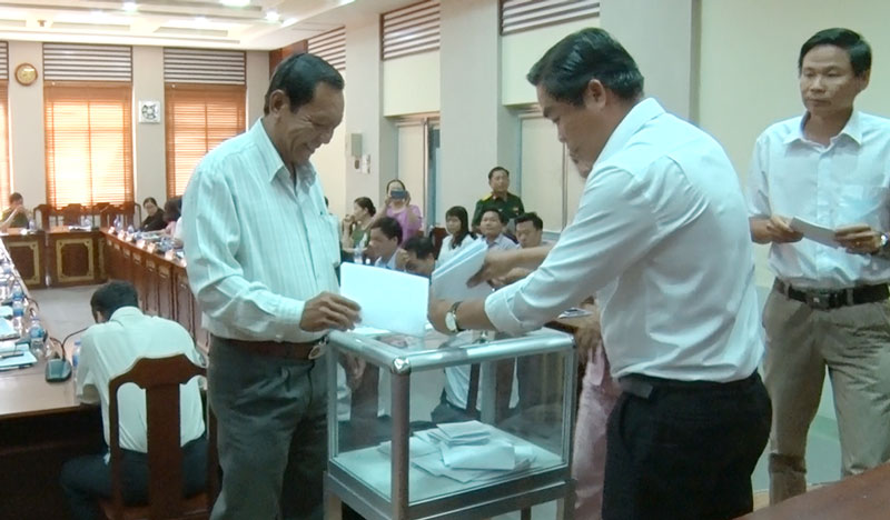 Bỏ phiếu công nhận Thành phố hoàn thành xây dựng NTM.