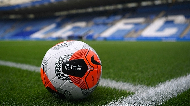 Bóng sẽ ngừng lăn trên các sân đấu Ngoại hạng Anh trong tháng này. Ảnh: FOX