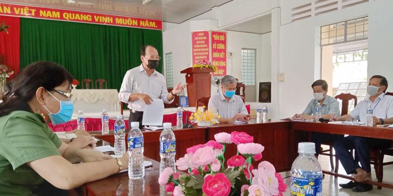 Ông Ngô Văn Tán - Giám đốc Sở y tế phát biểu tại xã Sơn Phú, huyện Giồng Trôm