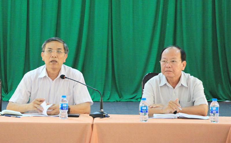 Chủ tịch UBND tỉnh Cao Văn Trọng tại cuộc họp Ban Chỉ đạo phòng, chống bệnh viêm đường hô hấp cấp do Covid-19.