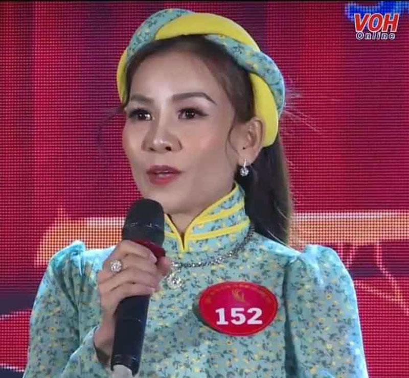 Kim Ngân trình diễn tại hội thi Tỏa sáng tài năng cải lương Bông lúa vàng 2019, tại TP. Hồ Chí Minh cuối năm 2019. (Ảnh do nhân vật cung cấp).