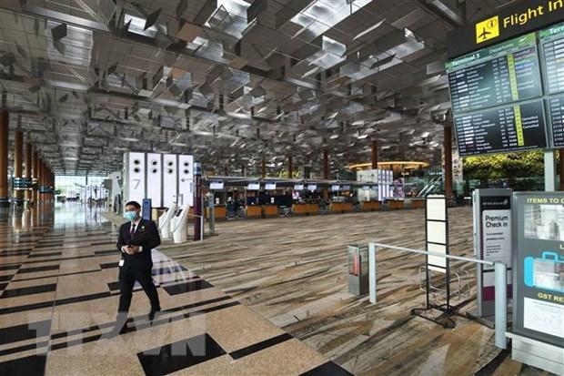 Cảnh vắng vẻ tại sân bay Changi, Singapore trong bối cảnh dịch COVID-19 lan rộng. Ảnh: THX/TTXVN