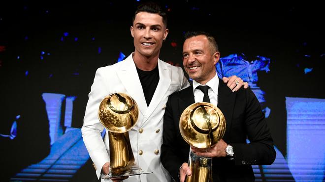 Ronaldo và Mendes tham gia chống đại dịch COVID-19