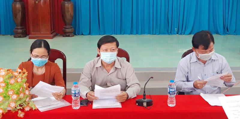 Đoàn công tác kiểm tra công tác đáp ứng với tình hình dịch bệnh tại xã Tân Hội