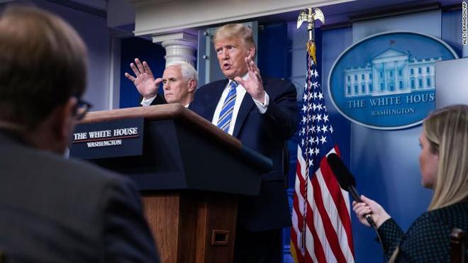 Tổng thống Trump tại buổi họp báo tại Nhà Trắng ngày 23/3 về dịch Covid-19. Ảnh: AP