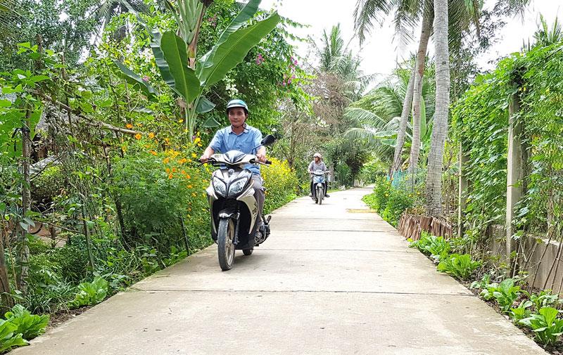 Đường giao thông nông thôn ấp Thanh Nam, xã Tân Thanh Tây. Ảnh: Thành Lập