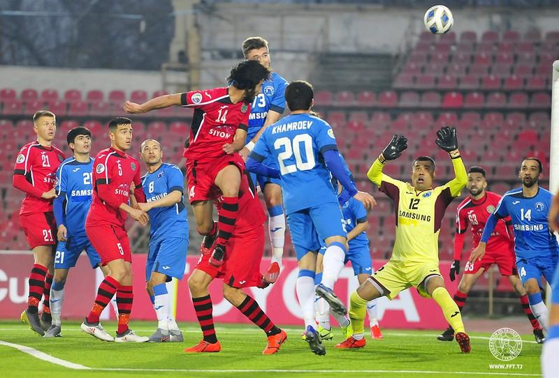 Giải bóng đá Tajikistan khởi tranh giữa thời điểm Covid-19 vẫn đang diễn biến phức tạp. (Ảnh: FFT).