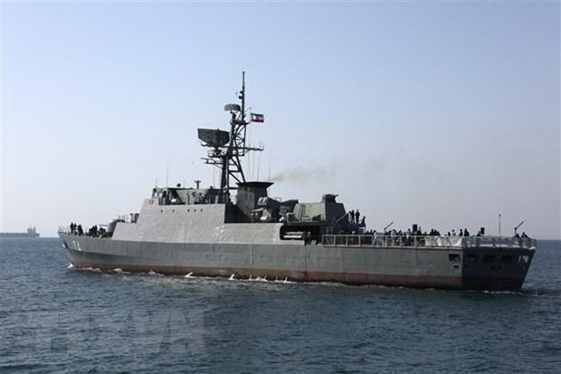 Tàu chiến của Hải quân Iran tham gia lễ kỷ niệm Ngày Vịnh Persian quốc gia ở eo biển Hormuz, ngày 30-4-2019. (Nguồn: AFP/TTXVN)