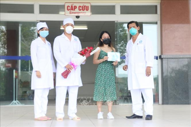 Ngày 6-4-2020, Bệnh viện Lao và Bệnh phổi thành phố Cần Thơ đã tiến hành cho xuất viện đối với bệnh nhân 154. Ảnh: Ánh Tuyết/TTXVN