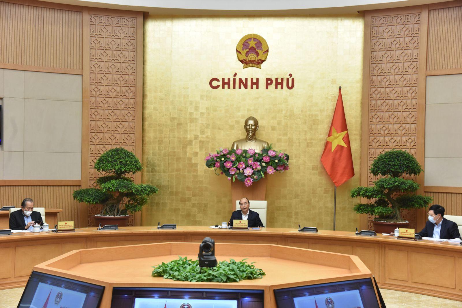 Thủ tướng Nguyễn Xuân Phúc chủ trì phiên họp Thường trực Chính phủ chiều 9-4-2020. Ảnh: VGP/Quang Hiếu