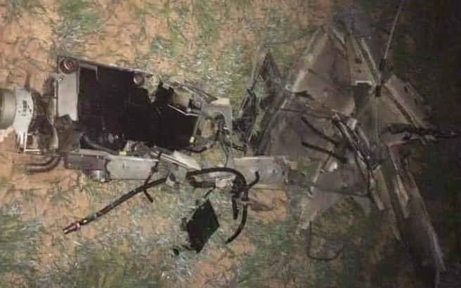 Xác máy bay không người lái được cho là trong vụ việc này. Ảnh: Sky news arabia.