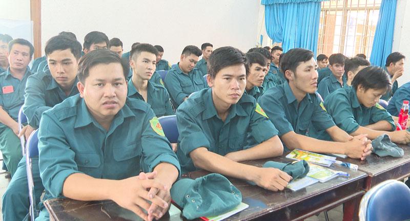 Các lực lượng tham gia tập huấn.
