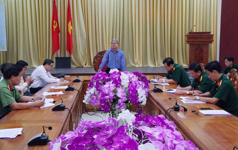 Phó chủ tịch UBND tỉnh Nguyễn Văn Đức phát biểu tại hội nghị.