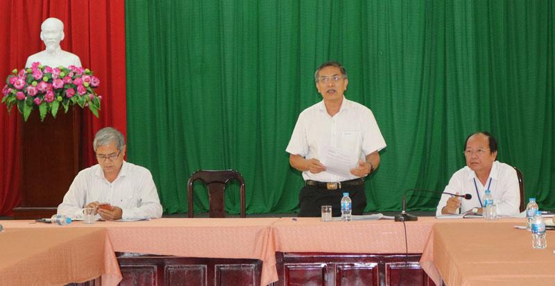 Chủ tịch UBND tỉnh Cao Văn Trọng chủ trì cuộc họp thành viên BCĐ.