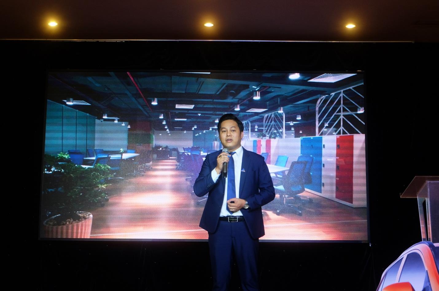 Ông Nguyễn Minh Bảo - TGĐ Bắc Miền Tây - ĐXMT công bố chính sách bán hàng.