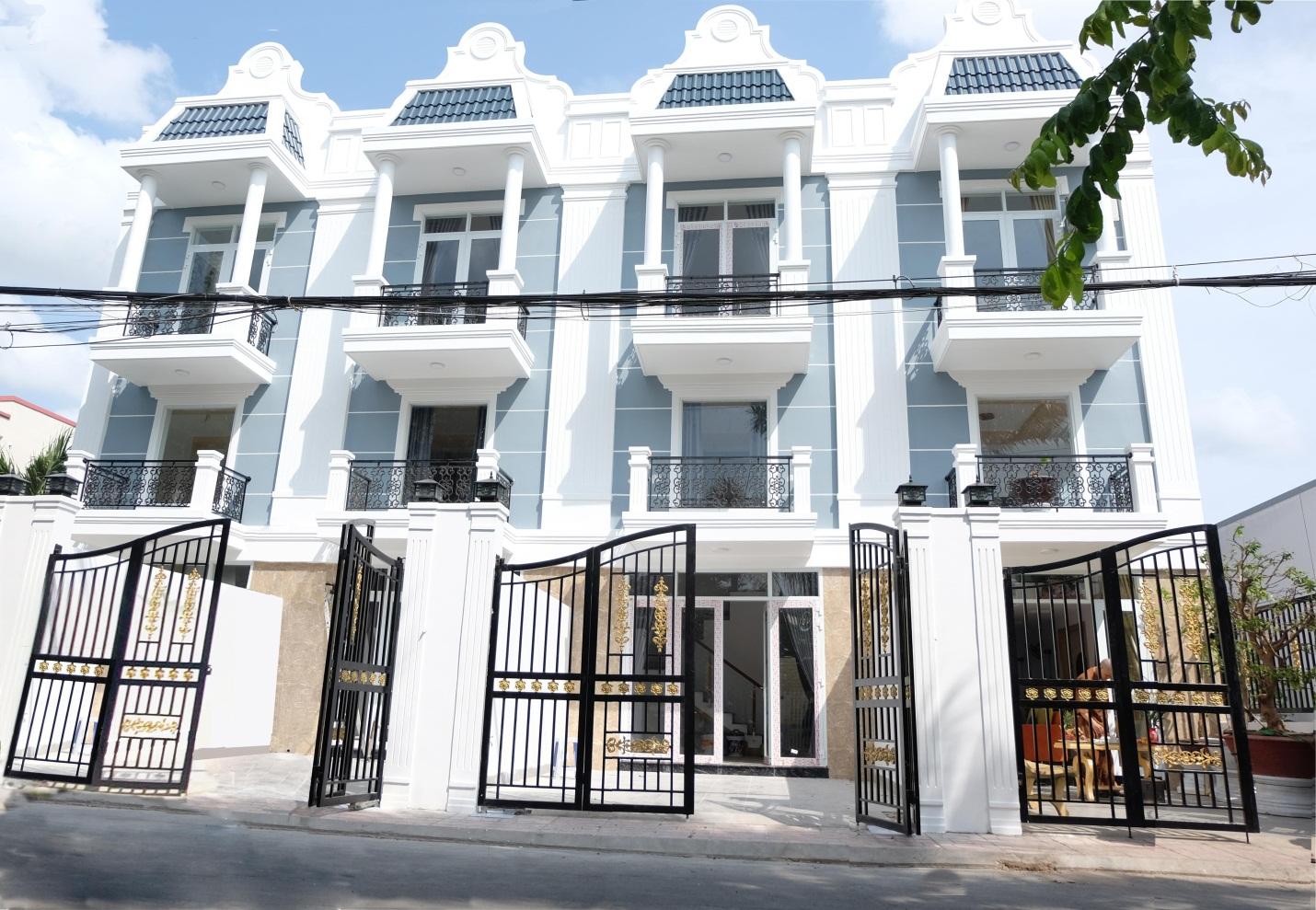 Hình ảnh 1 dãy nhà đã hoàn thiện tại KDC cao cấp Phố Xanh – Phú Tân